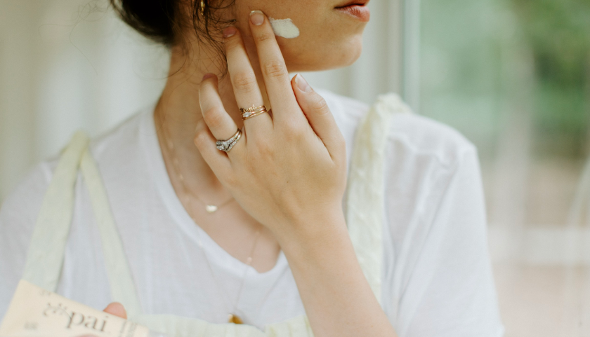 Preguntas frecuentes sobre SPF |  ¿SPF para pieles propensas al acné?