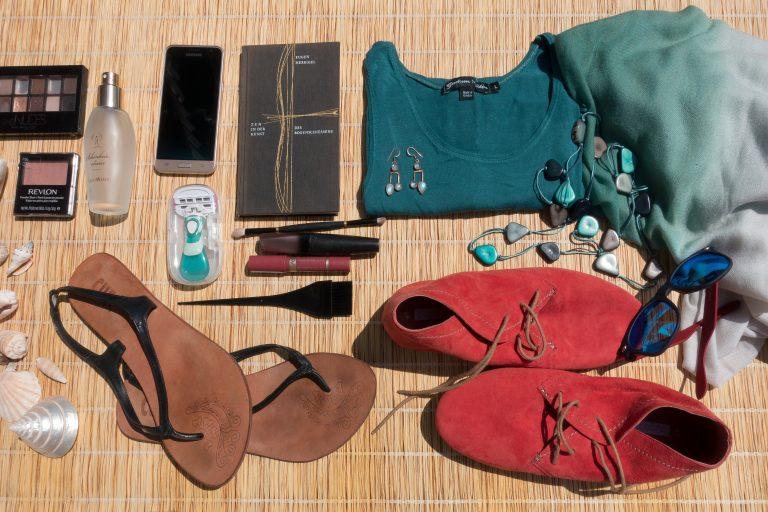 11 elementos esenciales para llevar en tu neceser de viaje