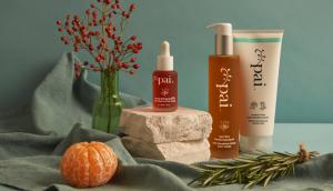 Pai Skincare Rosehip BioRegenerate Oil y limpiadores con ingredientes