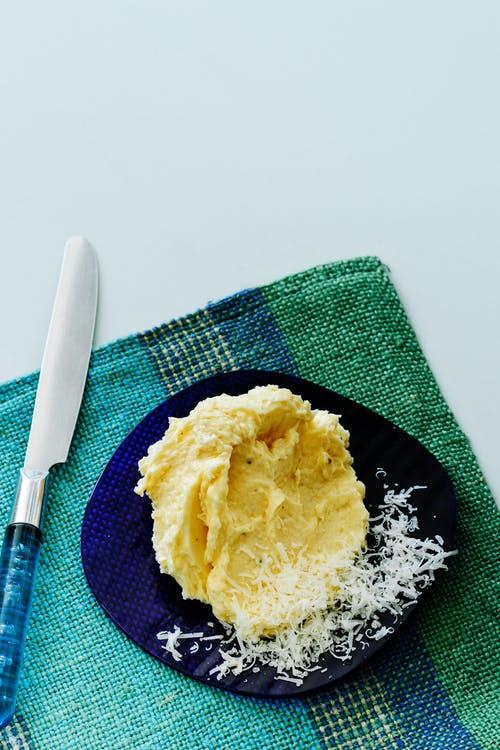 Mantequilla de parmesano