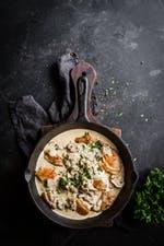 Sartén de pollo de Lisa con champiñones y parmesano