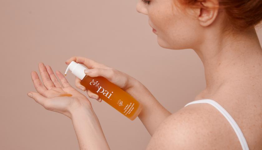 Pai Skincare Light Work Rosehip Cleansing Oil - Desmaquillador suave pero eficaz para pieles sensibles
