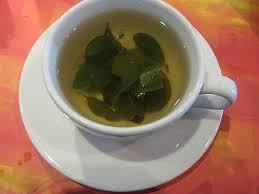 El té de coca es rico en calcio, hierro, vitamina A y regula la diabetes