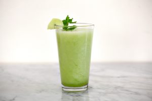 El jugo de melón dulce es una limpieza natural del colon y ayuda a perder peso.