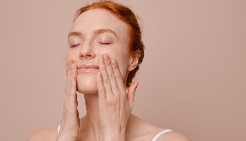 Razones para las manchas en diferentes partes de la cara: mejillas a frente
