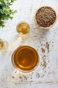 El té de cebada ayuda a regular el equilibrio del azúcar en sangre y la insulina en el cuerpo.