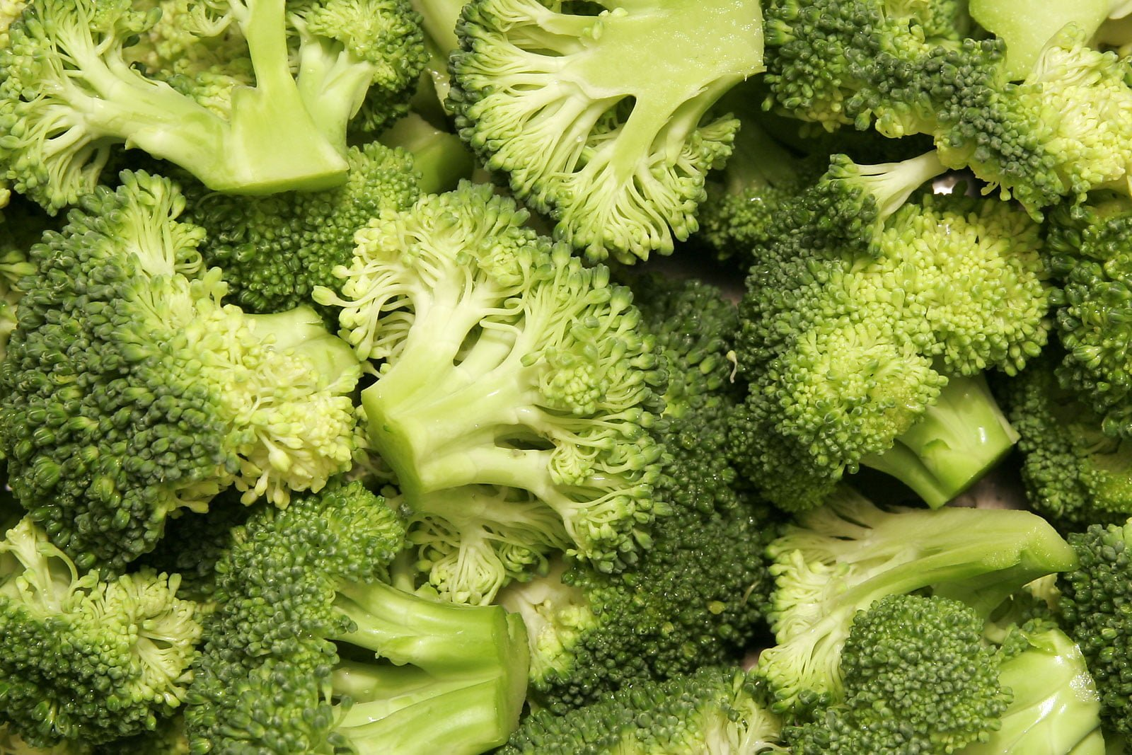 Beneficio para la salud del brócoli, remedio casero para la enfermedad de Behcet