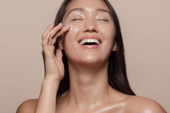 Prepara tu piel para la primavera: mantén tu piel hidratada y joven