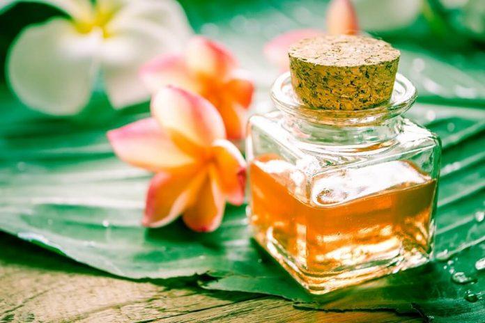Beneficios para la salud del aceite esencial de plumeria