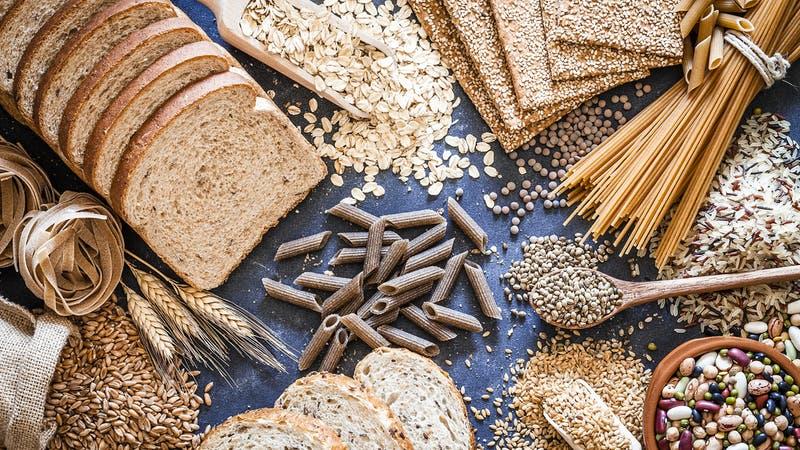 Bodegón de alimentos con fibra dietética