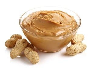 Mantequilla de maní o almendras: la principal fuente de proteínas en una dieta cetogénica vegetariana