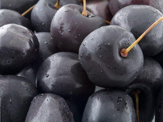 beneficios para la salud del jugo de cereza negra