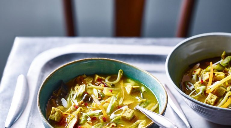 Sopa agridulce vegetariana