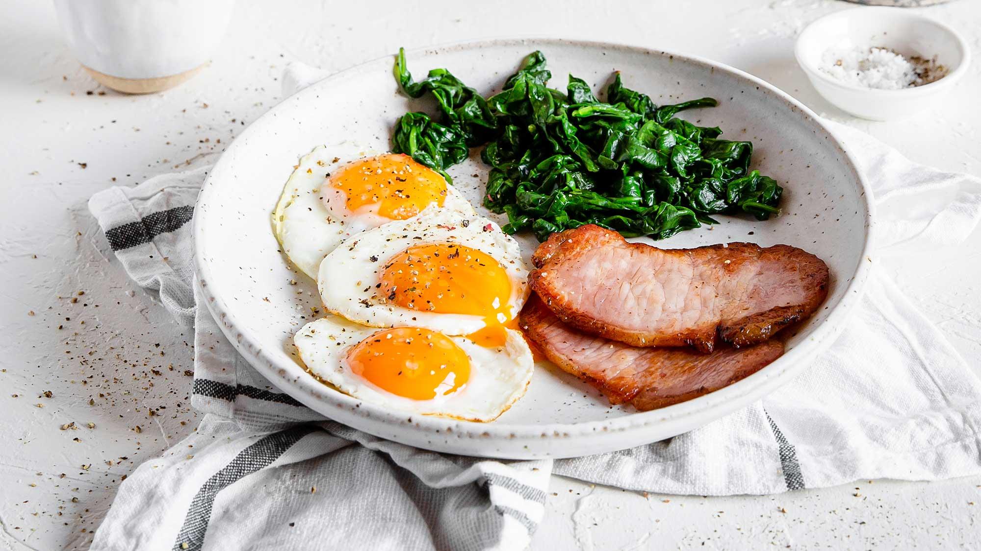 25 ideas para el desayuno rico en proteínas - Diet Doctor