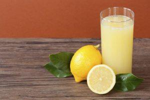 Usos del jugo de limón y beneficios para la salud
